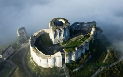 Spectacular abandoned castles around the world
